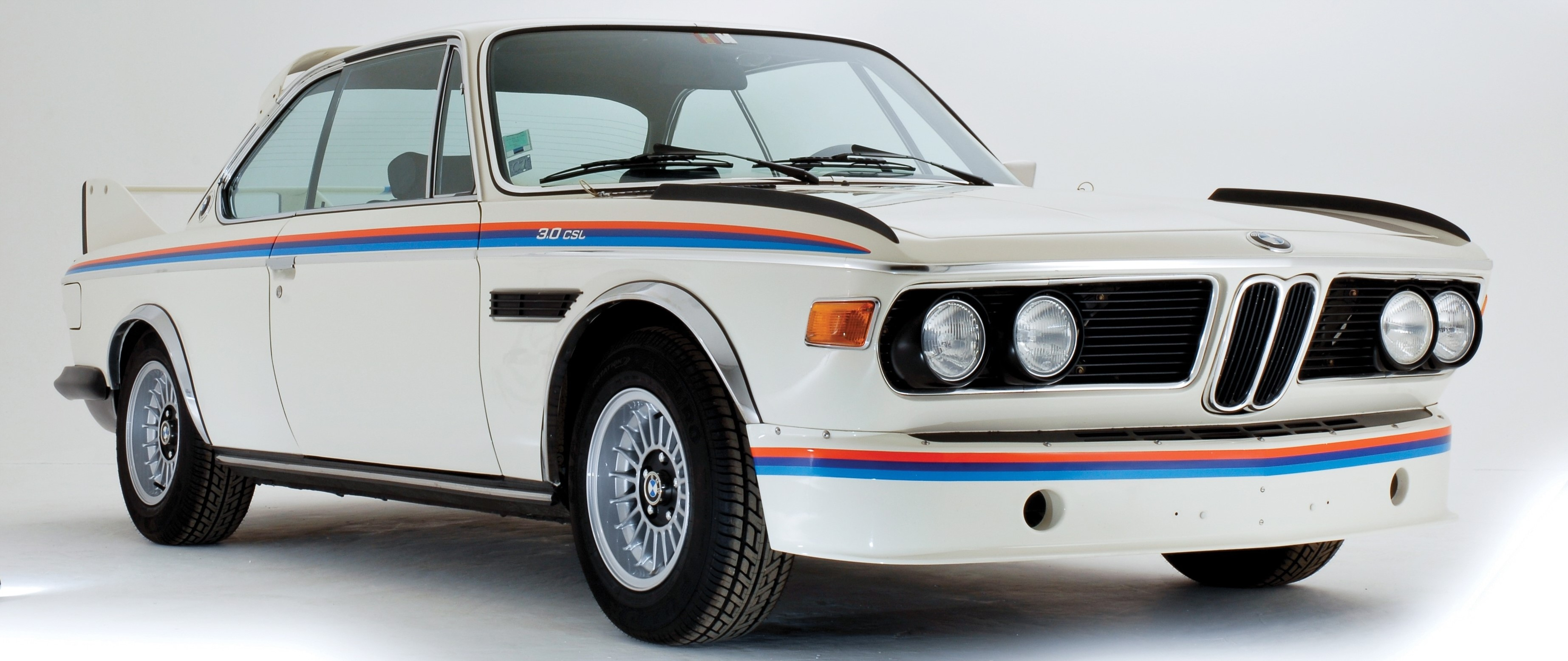 vintage-bmw-3.0-cs-car-wallpaper-1